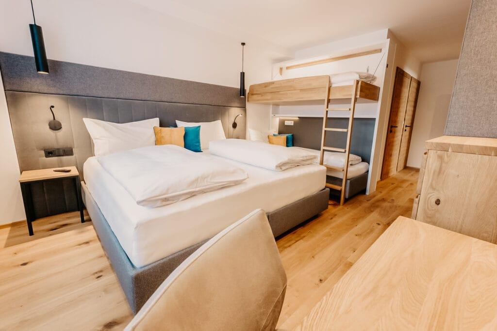02.HOFGUT-apartment-lifestyle-resort-wagrain-apartment-familienurlaub-familienschlafzimmer