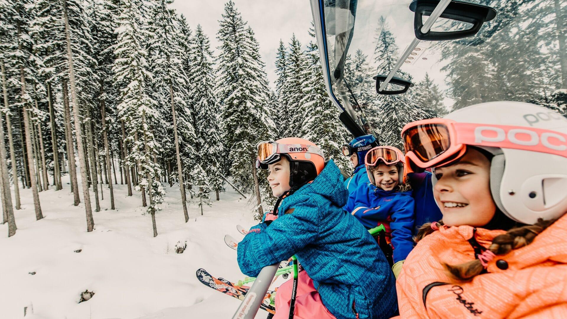 Hofgut-apartment-&-lifestyle-resort-wagrain-winter-freiheitspürenalsfamilie-skiamade-skifahren