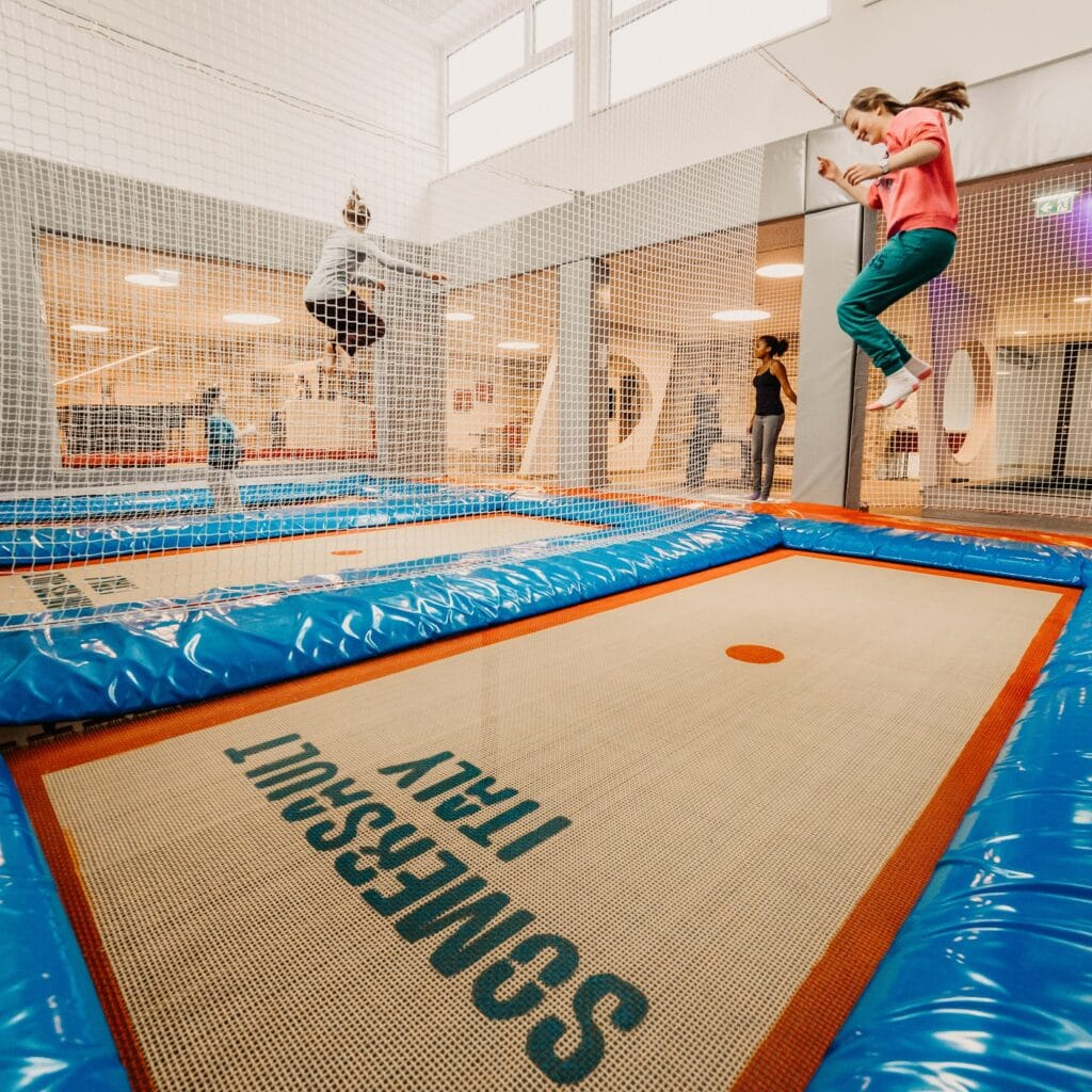 04.HOFGUT-apartment-lifestyle-resort-familienurlaub-Trampolinhaus