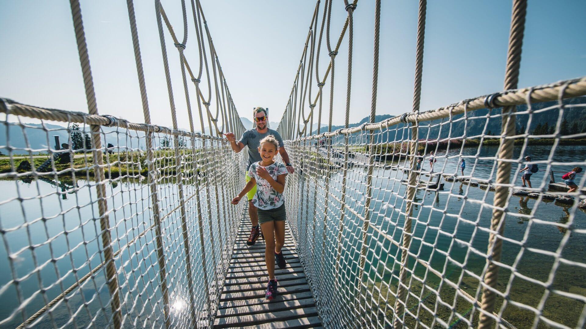 hofgut-apartment-lifestyle-resort-wagrain-freiheit-spueren-als-familie-berg-grafenberg-bruecke