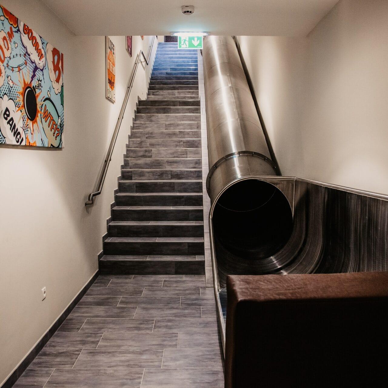 hofgut-wagrain-apartment-lifestyle-resort-familienurlaub-rutsche.jpg