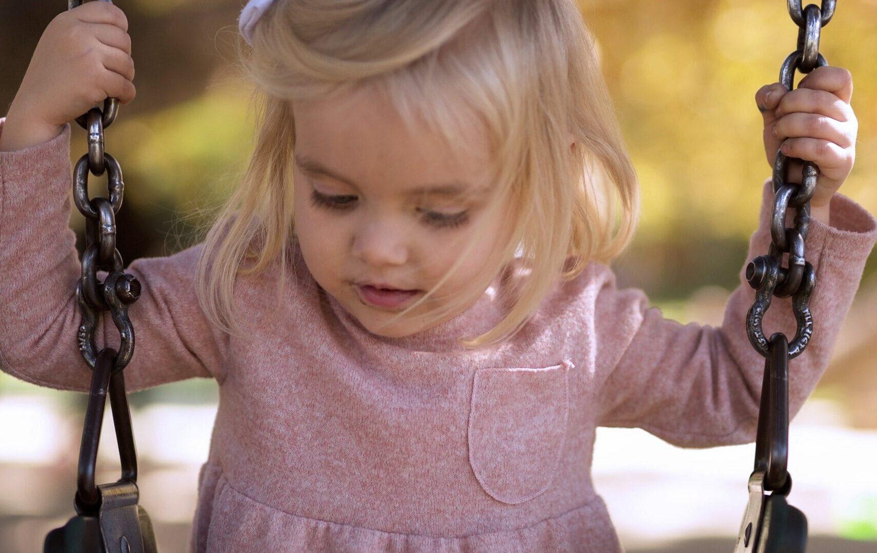 Erleben-im-Hofgut-für-Kinder-Outdoor-Schaukel-