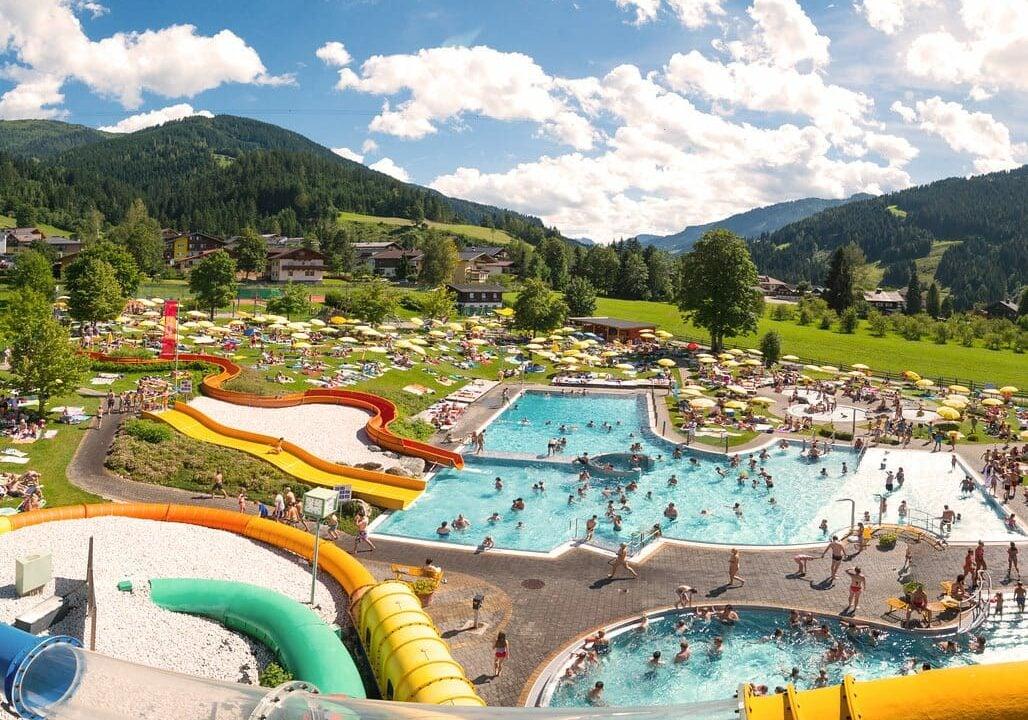 Hofgut-Apartment-Lifestyle-Resort-Erleben-im-Sommer-Wasserwelt-Wagrain
