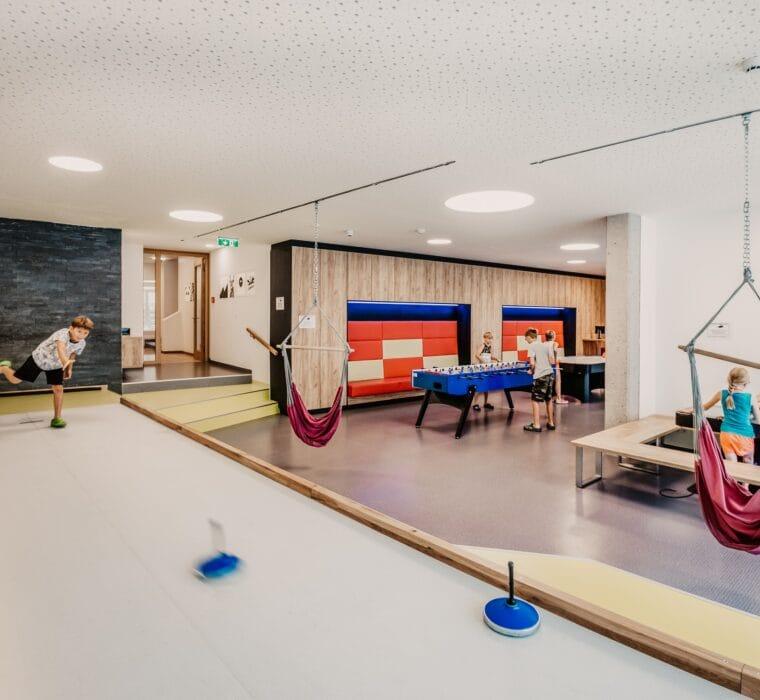 Hofgut-Wagrain-Apartment-Lifestyle-Resort-Erleben-im-Hofgut-fuer-Kinder-Stockbahn-2