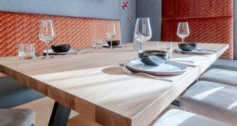 Hofgut-Wagrain-Apartment-Lifestyle-Resort-Inklusivleistungen-Apartment-Geschirr