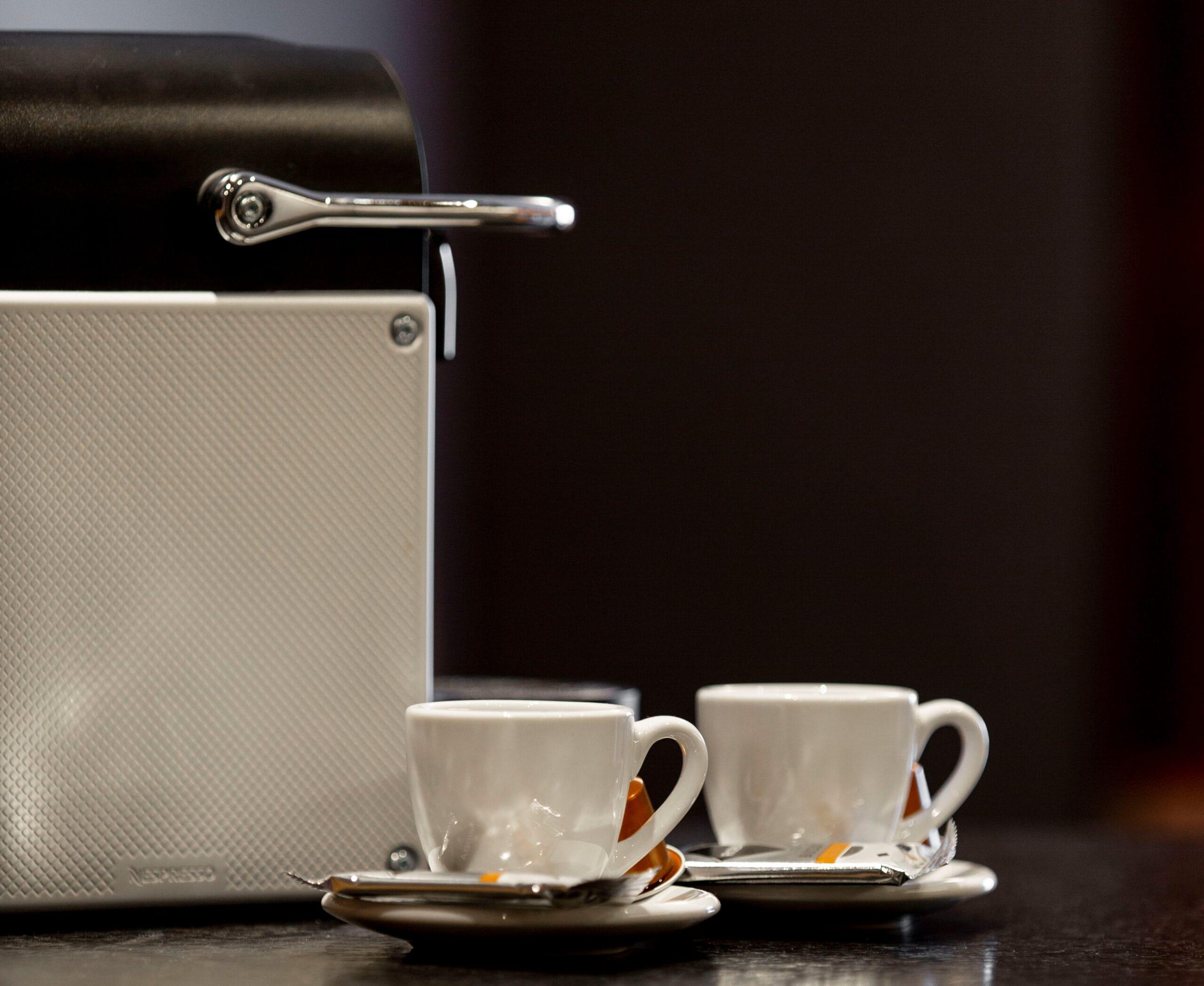 Hofgut-Wagrain-Apartment-Lifestyle-Resort-Inklusivleistungen-Apartment-Kaffeemaschine
