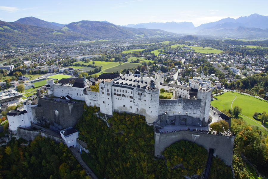 Hofgut-Wagrain-Apartment-Lifestyle-Resort-erleben-im-Sommer-Ausfluege-Festung-Hohensalzburg