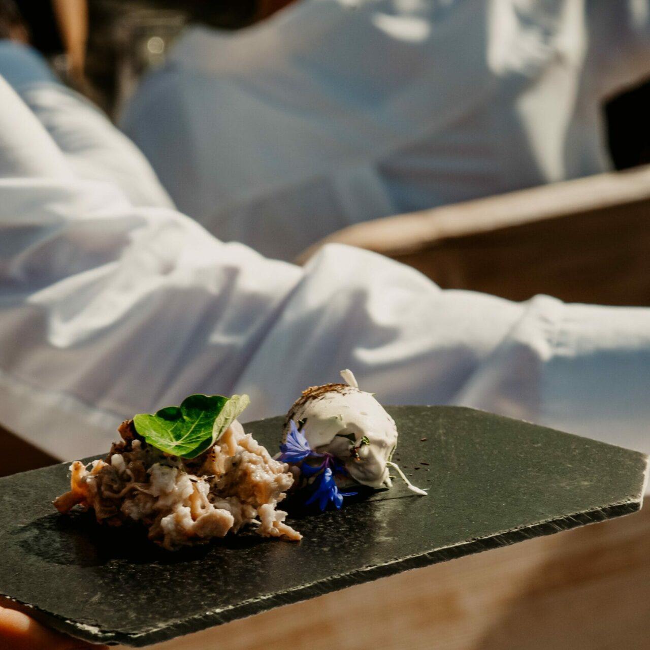 Hofgut-apartment-lifestyle-resort-Kulinarik-vaMoos-Hauptgang