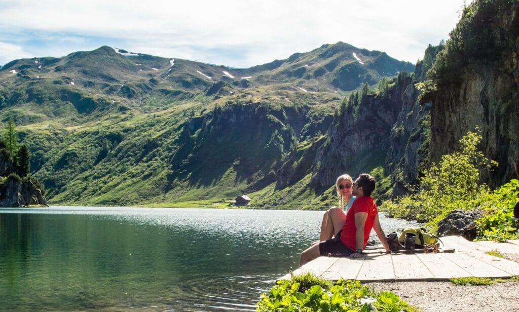 Hofgut-Wagrain-Apartment-erleben-im-Sommer-Wandersommer-berge-wagrain